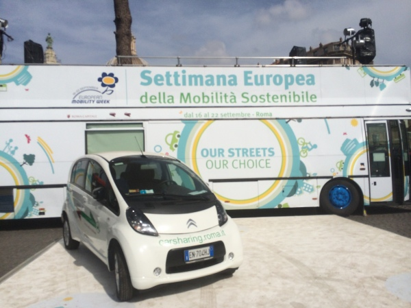 Motor vehicles in Rome's pedestrian zones to celebrate sustainable mobility (?)